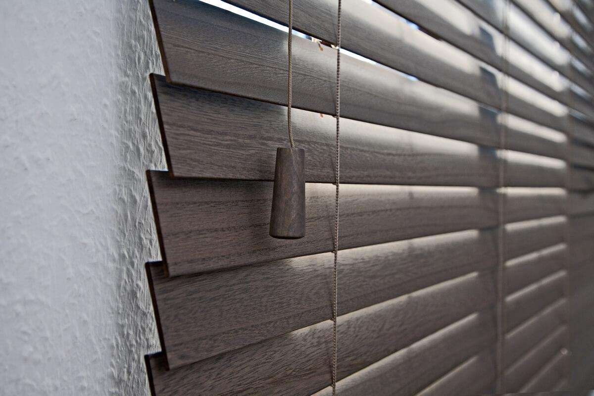 Holzrollos Der natürlichste Sichtschutz