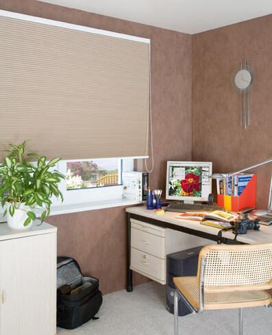 wabenplissees in unterschiedlichen breiten. Black Bedroom Furniture Sets. Home Design Ideas