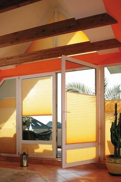 plissee dachfenster g nstig und sicher vom rolloshop. Black Bedroom Furniture Sets. Home Design Ideas